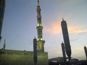 Masjid_Nabvi_Umbrella_90